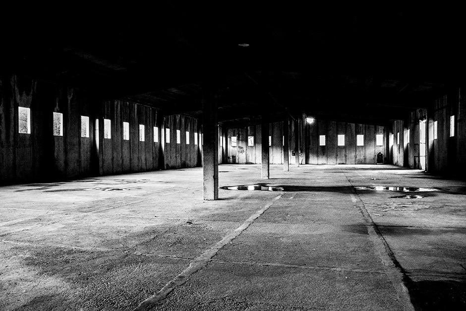"""©Javier Clemente """"1995. Recordando Srebrenica"""". Cuartel General del Dutchbat (Naciones Unidas), Potocari"""